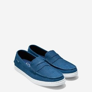 COLE HAAN PINCH WEEKENDER LOAFER IN NAVY/INK/PEONY